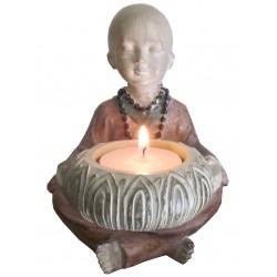 Moine porte bougies
