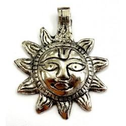 Pendentif soleil argenté